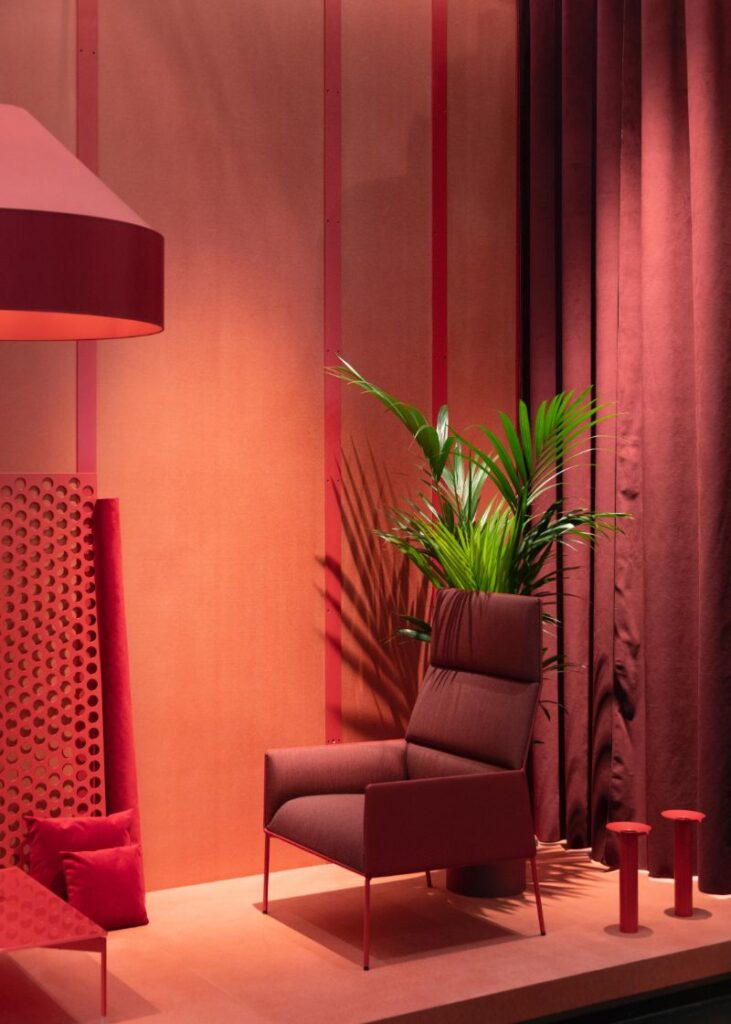 Peachy coral and terra cotta pink interior design trends.